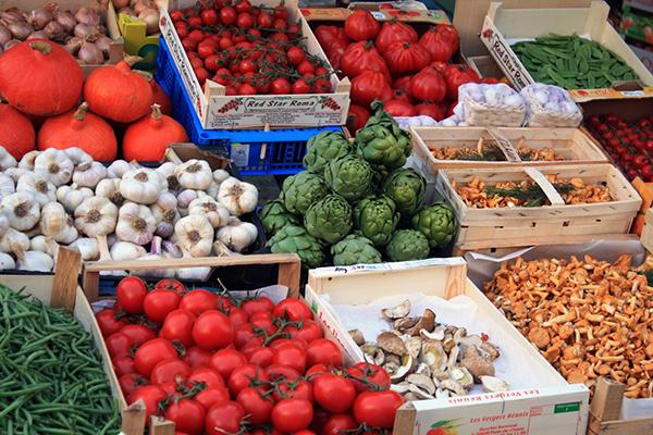 groeten en fruit op de markt